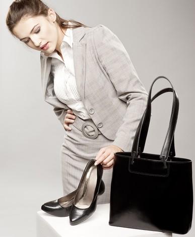 Trägt Frau Sondergröße, hat sie es beim Schuhkauf nicht immer leicht