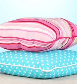 Kissenhuellen in rosa und hellblau